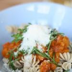 Kochen für Einjährige: Kürbis-Apfel-Pasta