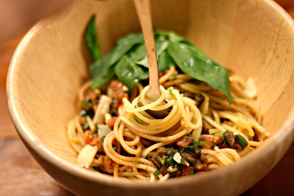 spaghetti mit tomatensalsa