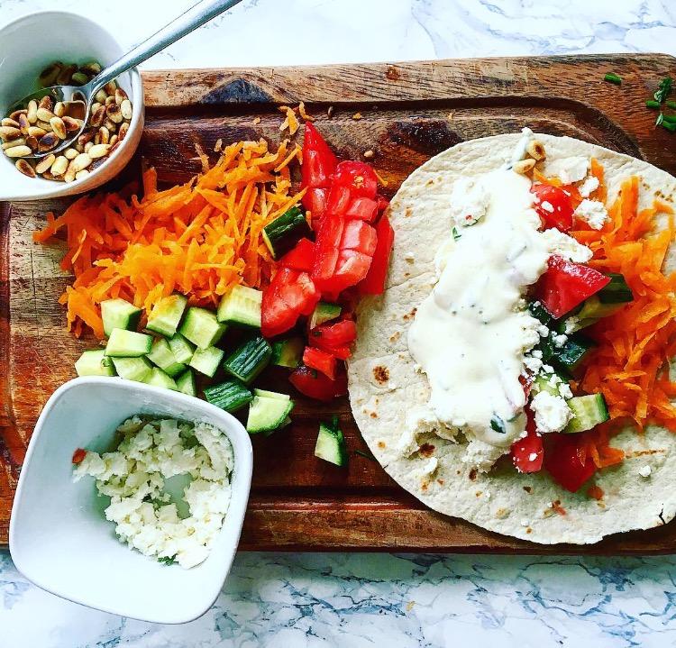 Wrap mit Salat und Gera